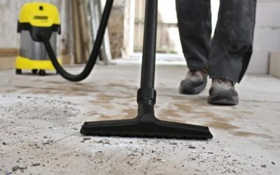 Очистка поверхности пола перед нанесением цементной стяжки пола