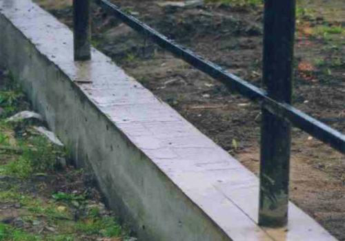 Фото ленточного фундамента под забор