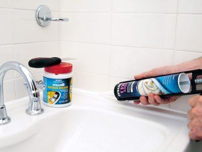 Использование силиконового герметика в ванной