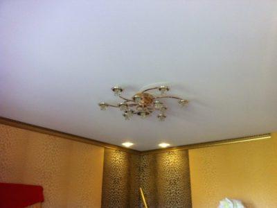 Тканевый нятяжной потолок (с виду не отличить от ПВХ матового)