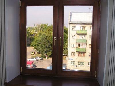 Пластиковое окно - имитация деревянного