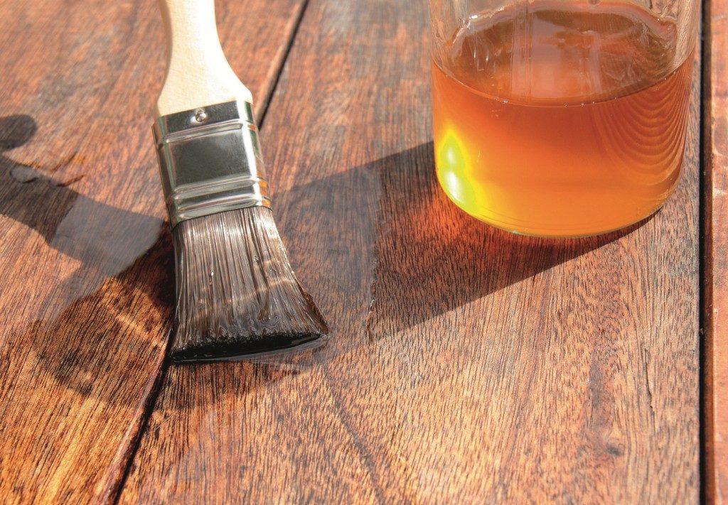 Пропитки и масла для дерева