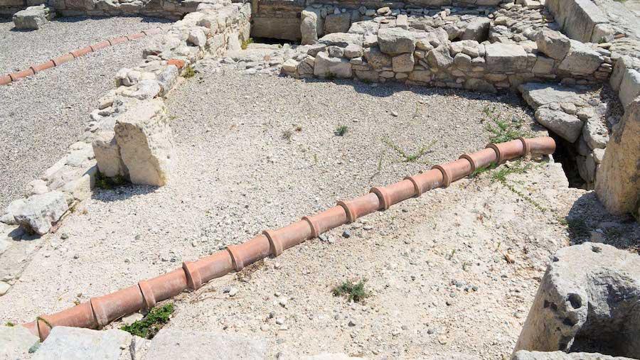 Старинный трубопровод (Кипр)