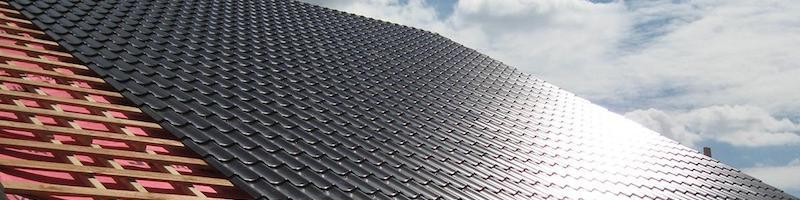 пример крыши с металлочерепицей