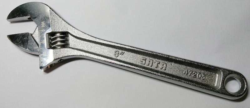 Разводной ключ фирмы Sata, модель 47203 (Тайвань)