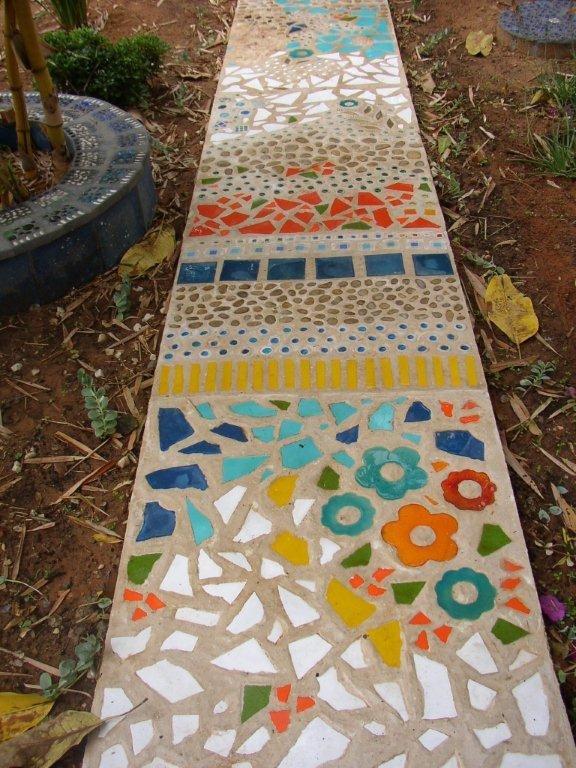 Дорожка-мозаика из плитки