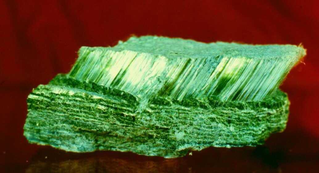 Асбест зеленого цвета