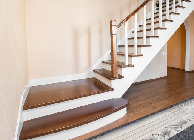 Площадка на лестнице