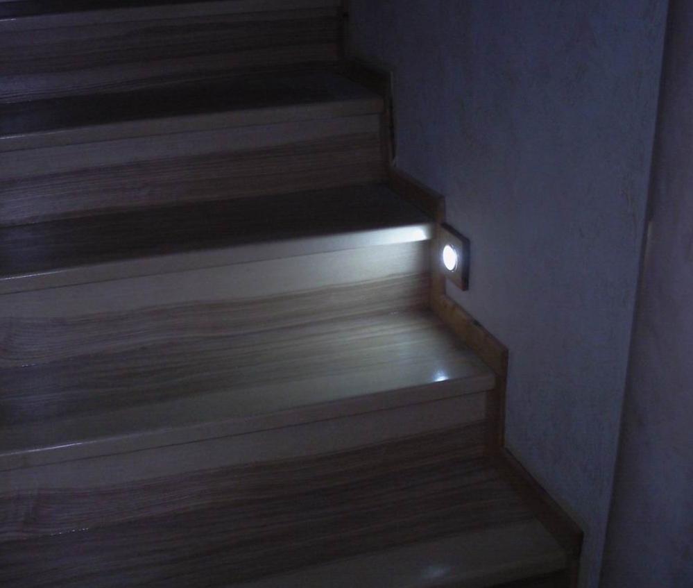 Подсветка лестницы с датчиком движения