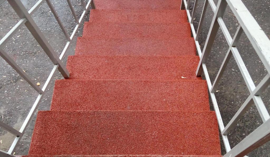 Покрытие для лестницы