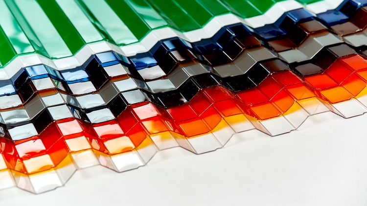 Цветной поликарбонат профилированный