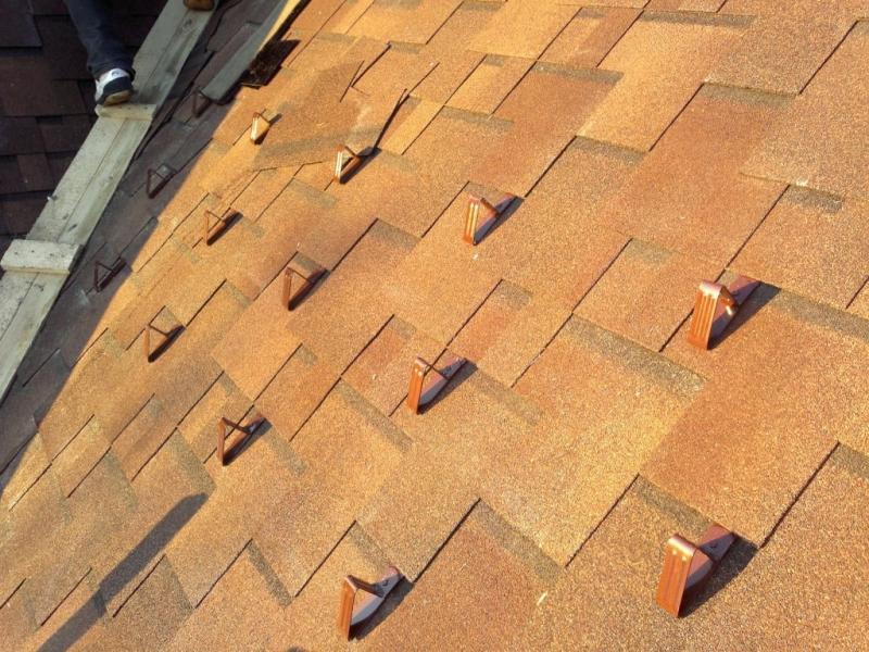 Точечная система снегозадержания на крыше