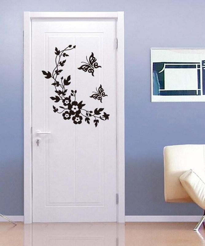 Межкомнатная дверь с наклейками