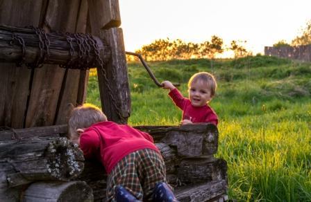 Необходимо закрывать шахту колодца, если есть в семье маленькие дети