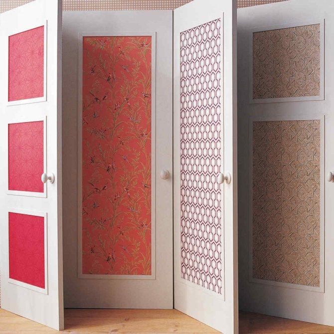 Оклейка межкомнатной двери обоями