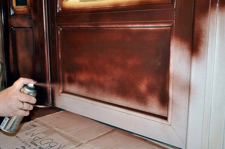 Покраска двери