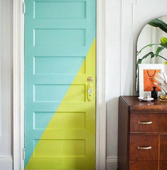 Разноцветная дверь