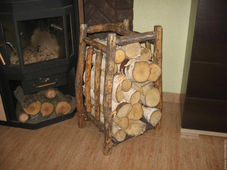 Поленница из дерева